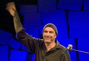 Llach se despide en su pueblo natal con un emotivo recital ante 5.700 personas