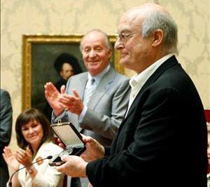 Luis Gordillo recibe de manos del Rey el Premio Velázquez 2007